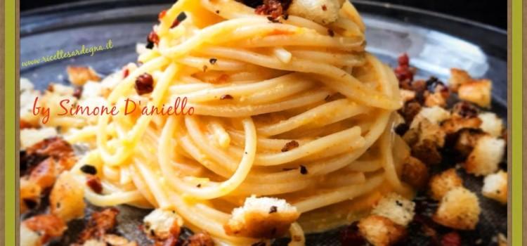 Ricetta Spaghetti crema di peperoni caramellati in agrodolce con pane e speck croccante