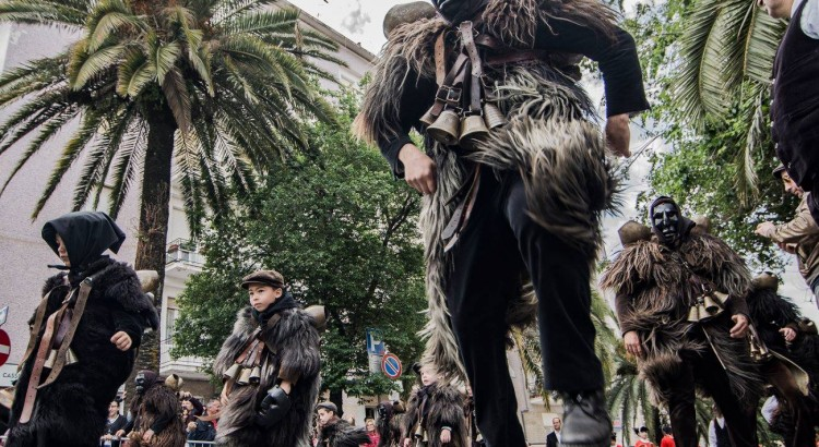 Passata da poco la cavalcata sarda ecco un fotoamatore talentuoso. Gianfranco Fine.