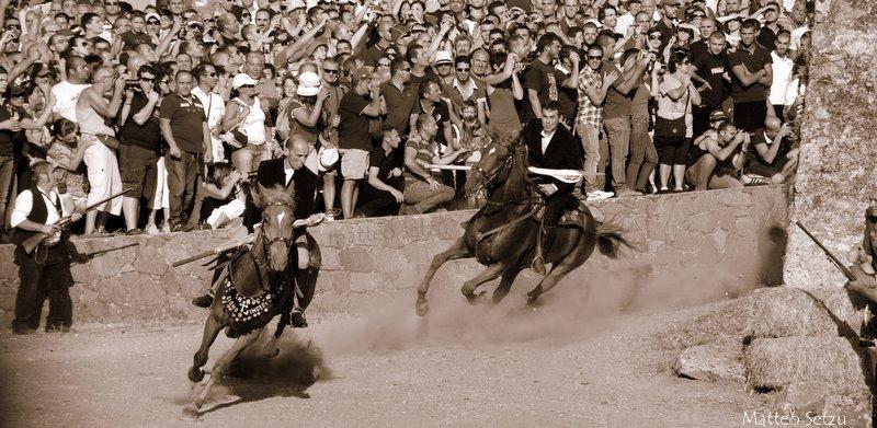 Cavalli comune denomitore delle sagre e feste Sarde ….L'Ardia di Sedilo