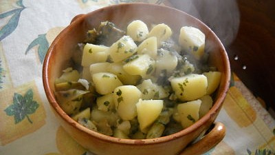 Cucina Sarda: Carciofi con patate in umido